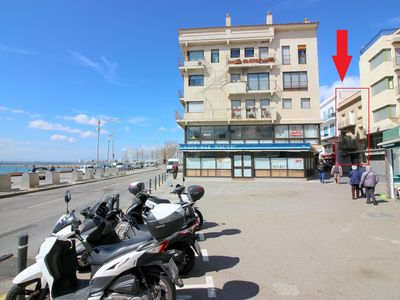 Photo for Apartment located in the center of Roses, in second line of sea.