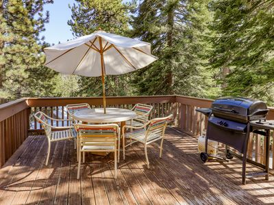 Photo for Cozy condo w/ shared pool & hot tub - walk to the marina on Huntington Lake!
