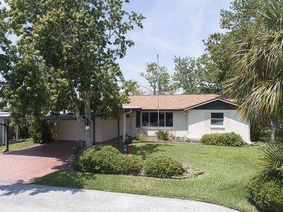 3 BR 2 Bath Salt Air Retreat on Deep Water Canal Minutes to the Gulf