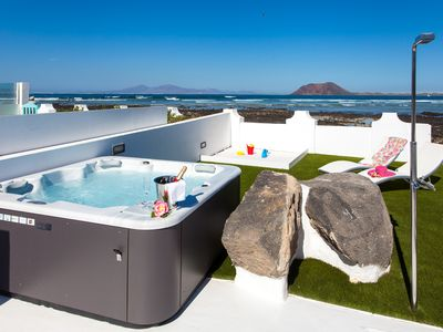 Photo for Luxury villa on the seafront with outdoor jacuzzi. 6 pax