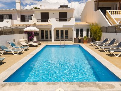 Photo for Four bedroom Villa, Sleeps 8,Heated Pool Available, Air con, Praia da luz