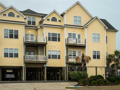 Photo for Peep's Perch: 3 BR / 3 BA town house in Surf City, Sleeps 12 - community pool