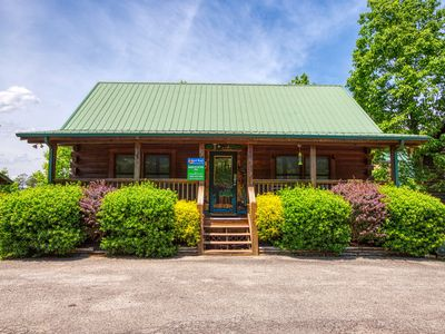 Photo for 2 Bedroom Cabin Close to Dollywood and Pigeon Forge Parkway with Hot Tub