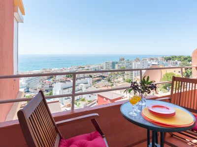 Photo for Beach Viewpoint apartment in Torremolinos with WiFi, air conditioning, balcony & lift.