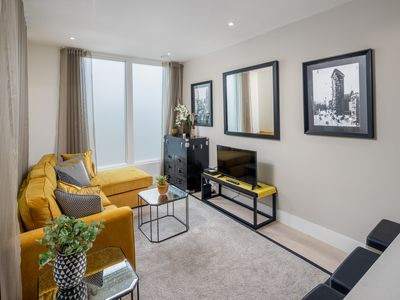 Photo for Spacious and Modern 2 Bed 2 Bath Terrace Flat in Camden