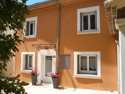Photo for Charming cottage in Provence for 4 people