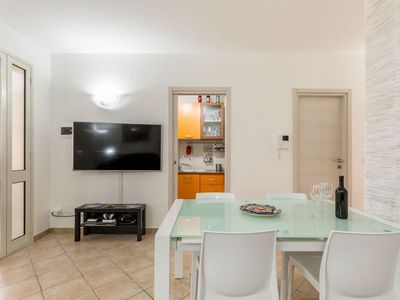 Photo for Apartment in villa 50 meters from the sea