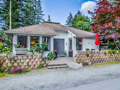 Photo for Family Holiday Home at Cultus Lake - Pet Friendly