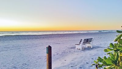 Photo for Holmes Beach Side Vacation Rental Cottage Walk to Beach, Shopping, and More!