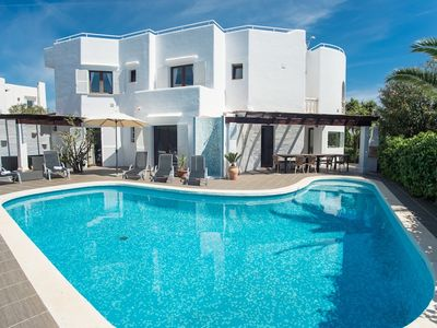 Photo for *** CALA D'OR VILLA *** 6 Bedrooms, 4 Baths, Private Pool, WiFi, Air Con, BBQ