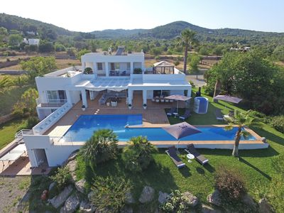 Photo for Luxury villa with pool for 10 people close to Ibiza Town
