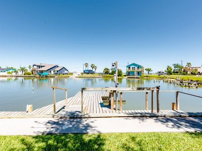 17 foot fishing dock with an underwater green light