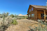 NEW! Cozy Henrieville Cabin Mins to Bryce Canyon!
