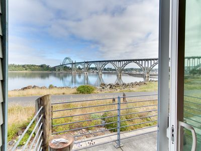 Photo for Upscale bayfront townhome w/ bridge & water views, great location - dogs ok!