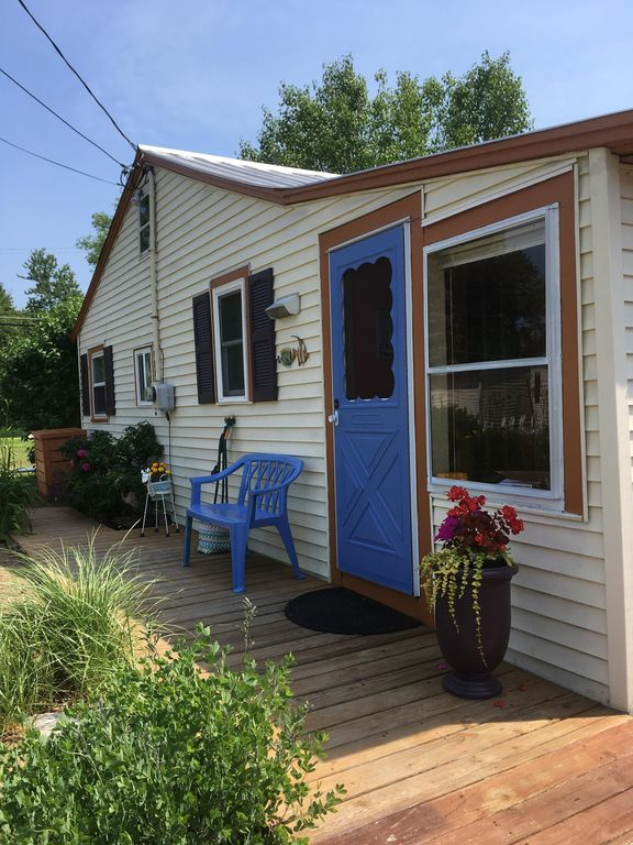Beautiful cottage by lake champlain vrbo for Lake champlain cabins and cottages