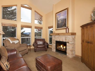 Photo for Mountain Views! King Bed, Gas Fireplace, Wifi -Mins to Breckenridge, Keystone/All Skiing/Lake Dillon