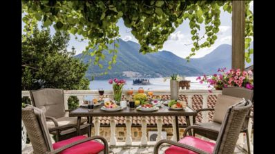 Perast Venetian Jewel -house with breathtaking views and private parking