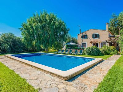 Photo for Lovely villa with a pool and Wi-Fi close to historic town, beach and countryside