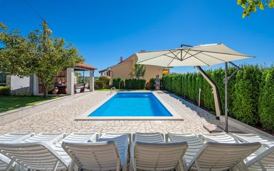 Photo for Holiday house with pool