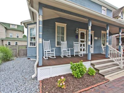 Photo for Cozy Cottage on Madison centrally located to beach and Downtown