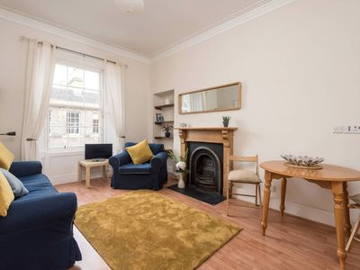 Photo for Heart of Edinburgh! Central Apartment 4 mins from Princes Street