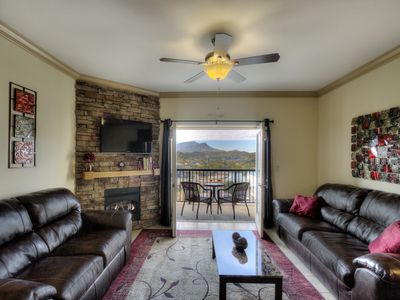 Photo for Laura's Mt View Blessing $89-299/nt Leather, Fireplace, Hot Tub  Mtn Sunsets