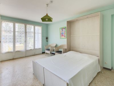 Photo for Apartment L'Ayguade in Hyères - 2 persons, 1 bedrooms