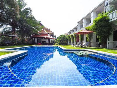 Photo for Na Jomtien 20 BR Resort Near Beach for 20 People
