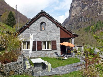 Photo for House in the center of Brione with Parking, Garden (46803)