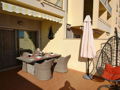Photo for Unique 2 bed apt walking distance to the beach+ WIFI+barbecue spacious Terrace
