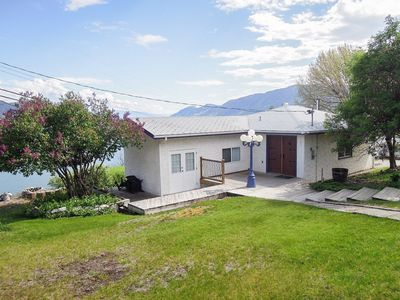 Photo for Lake Okanagan Cottage 'Charm' in Peachland, BC