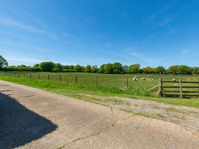 Photo for Vacation home Penhill in Tenterden - 5 persons, 3 bedrooms