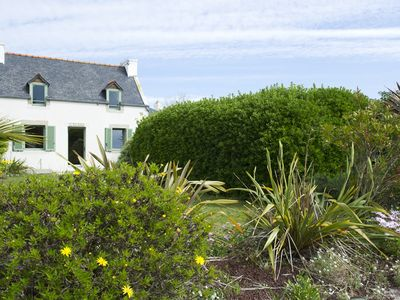 Photo for Cottage by the sea, 2 bedrooms, sleeps 4, well equipped, family holidays