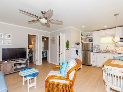 Photo for Relax in the heart of Fulton!  Newly renovated and walking distance to dining, shopping, swimming, a