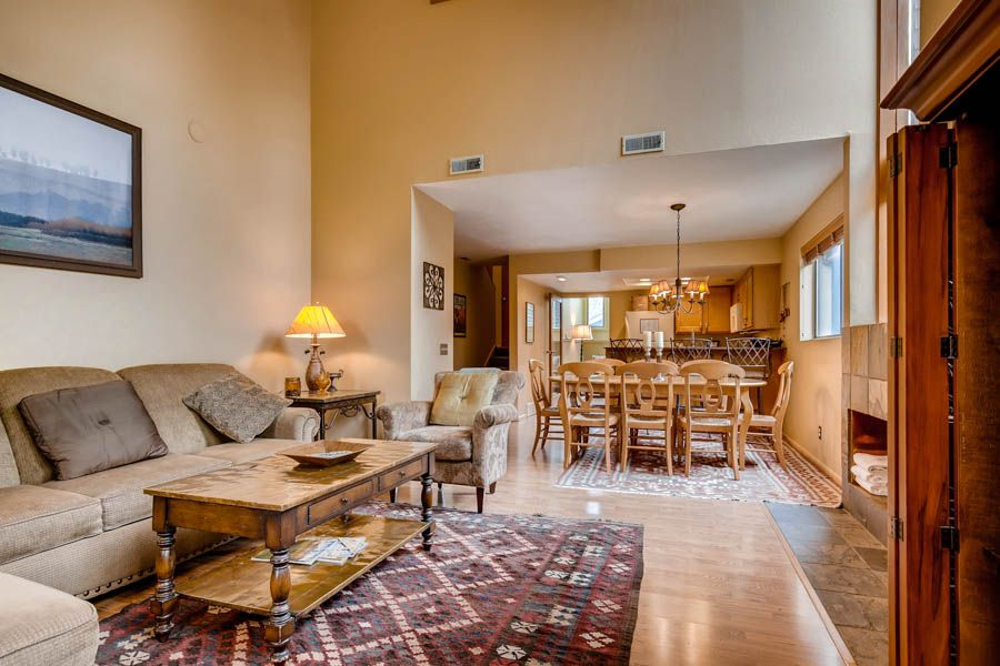 3 BR Red Pine Townhome Just Below the Canyons Village