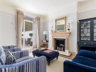 Photo for Newly refurbished 1 bedroom garden flat