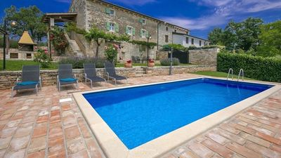 Photo for Beautiful stone villa with pool in Groznjan