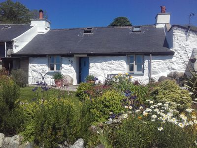 Photo for 1BR Cottage Vacation Rental in Garndolbenmaen