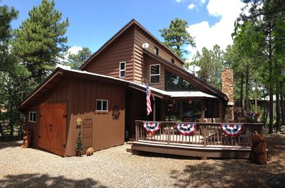 Cowboy Chic cabin in the whispering pines!