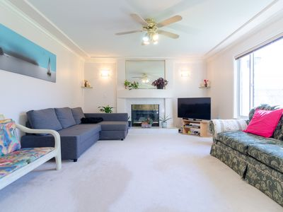 Photo for 1 Bedroom private suite - Cozy, Spacious & Bright!