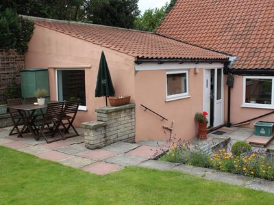 Photo for Cosy self catering 1 bedroom cottage in Norton, Malton