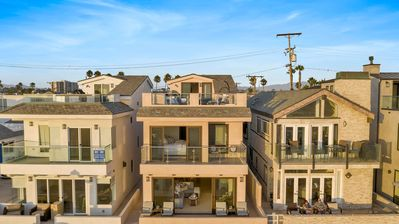 Photo for Gorgeous brand new single family house.  Fabulous rooftop deck!