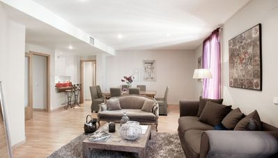 Photo for BCN Rambla Catalunya - Splendid, luxurious and spacious apartment with 4 bedrooms and 3 bathrooms. The main room with bathroom ensuite. 160 m2. Ideal for families. Balcony with views of Rambla de Catalunya. Excellent location, close to Paseo de Gracia.