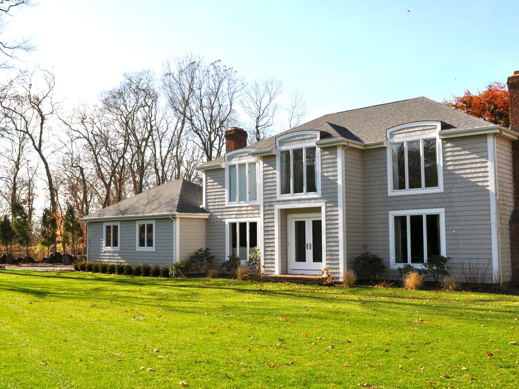 secluded spacious family home westhampton