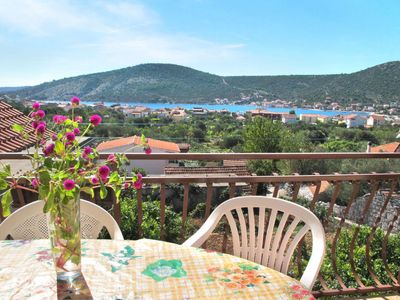 Photo for Apartment Filip Jakov (TGR601) in Trogir - 6 persons, 2 bedrooms