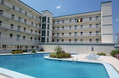 Stunning 3 BDRM Condo with large heated pool, hot tub, and Bay View!