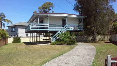 Photo for Tuggerah Lakeside/golf,beach nearby, large enclosed yard for your pet