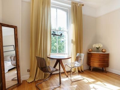 Photo for Charming 2 Bed flat in Notting Hill