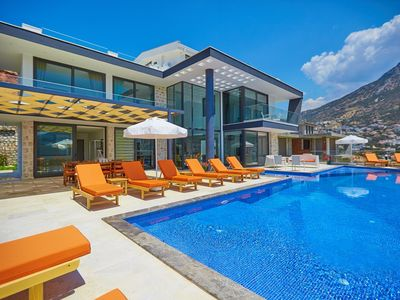 Photo for 5 BEDROOMS VILLA UNLIMITED