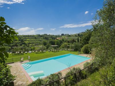 Photo for Vacciano Apartment, Sleeps 6 with Pool, Air Con and WiFi